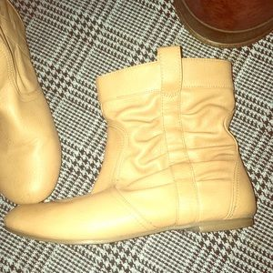 Wet Seal women's size 6 tan ankle boots
